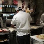 Оснащение кухонной зоны пиццерии