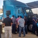 Сотрудники компании по перевозке грузов