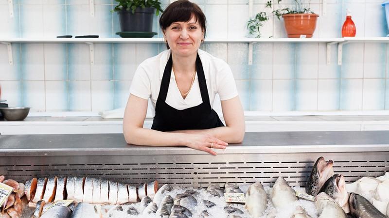 Свой бизнес по продаже рыбы: нанимаем персонал