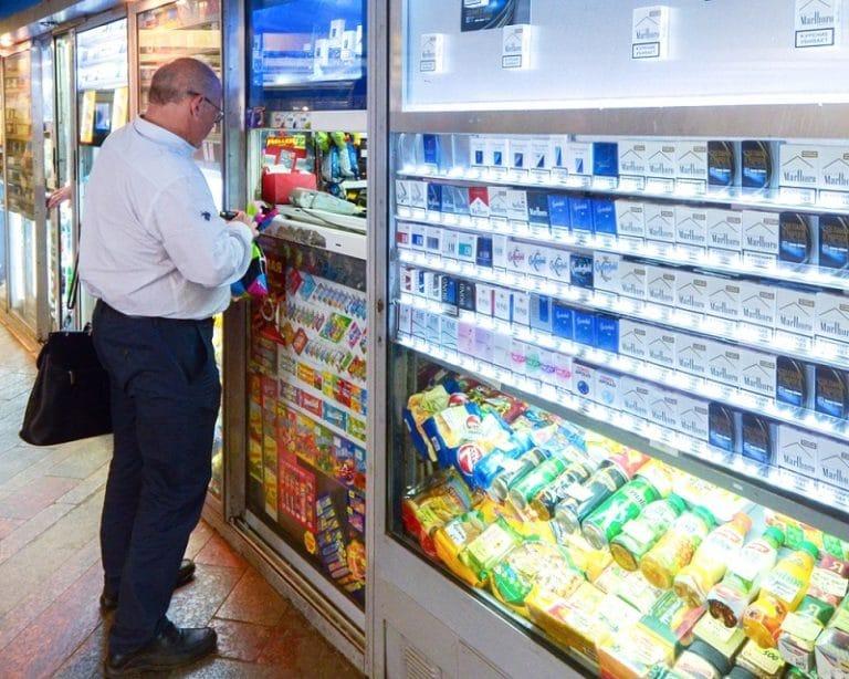 Можно ли вернуть банку лака закрытую в хозяйственный магазин неподвижные