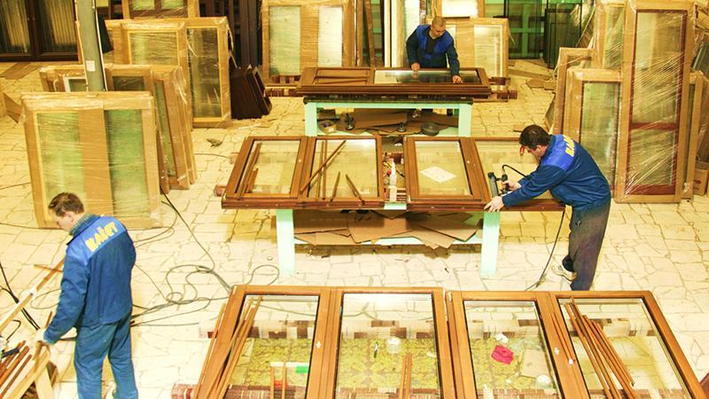 Персонал для производства деревянных окон