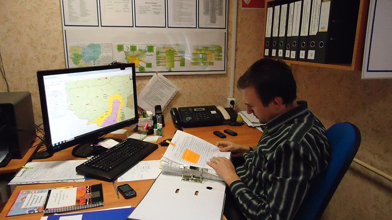 Как работать диспетчером грузоперевозок: помещение