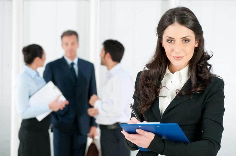 В некоторых организациях супервайзера принимают на работу без опыта и высшего образования, при условии наличия хороших организаторских способностей.