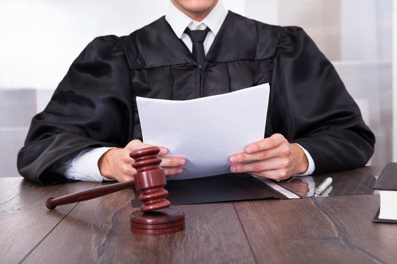 кого работодатель имеет право уволить в связи с утратой доверия