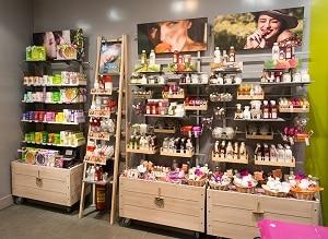 Как открыть магазин косметики в своем городе