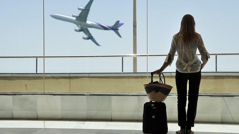 Можно ли летать по России с долгами: ограничения на полеты внутри РФ и за рубеж